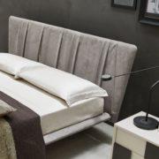 orme-arredamento-camera-letto-skadi-imbottito-3-900×900