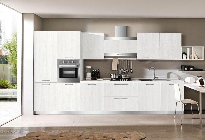Cucina Moderna con cassettoni grandi di design con maniglie ...