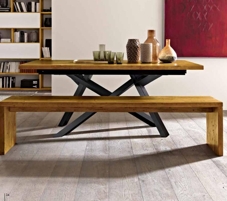 Tavolo in legno massiccio allungabile piedi in metallo e for Tavolo di design in metallo